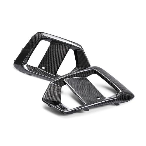 2016-2017年福特FOCUS RS的亮面碳纖維霧燈罩