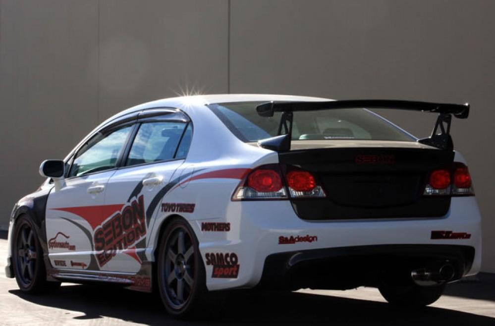 2006-2010年本田civic 4门的mg款式亮面碳纤维尾翼